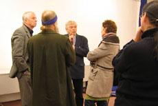 Prof. Dr. Benz (Mitte) im Gespräch